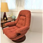 R huber accent chair